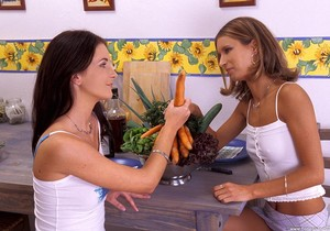 Terri & Thalia - Hot Legs and Feet
