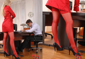Viktoria Diamond - Hot Legs and Feet