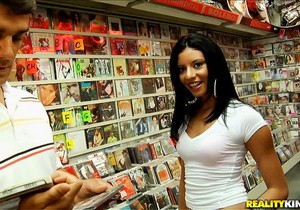 Bianca - Music To My Ears - 8th Street Latinas