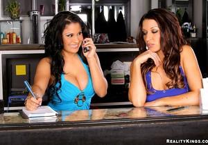 Ann Marie & Sophia Lomeli - Nalga Rica - 8th Street Latinas