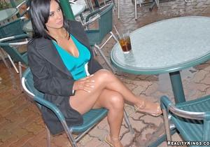 Mariah - Cara Linda - 8th Street Latinas