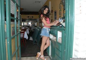 Paola - Toca Me - 8th Street Latinas