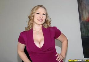 Vicky Vixen - Titty Tamer - Big Naturals