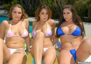 Chavon - Wet Titties - Big Naturals