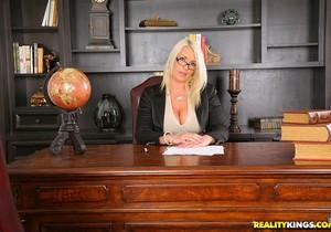 Sadie Swede - On Top Of Things - Big Tits Boss