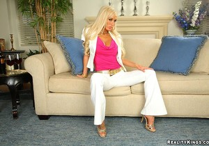 Lichelle Marie - Open Leg Policy - Big Tits Boss