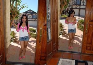 Leslie Sierra - Lusting For Leslie - Cum Fiesta