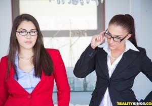 Mischa Brooks & Valentina Nappi - Group Grabbing