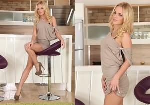 Vanda Lust & Sophie Lynx - Euro Sex Parties