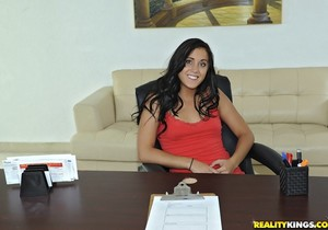 Jenessa - Pussy Beauty - First Time Auditions