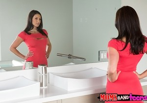 Giselle Mari, Kendra Lust - Look And Learn - Moms Bang Teens
