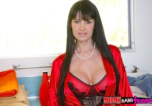 Cassandra Nix & Eva Karera - A Bad Romance - Moms Bang Teens