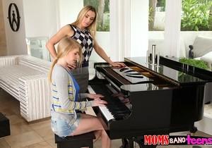 Tanya Tate & Allie James - Teaching Teens - Moms Bang Teens