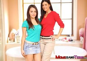 Melanie Raine, India Summer - Moms Bang Teens