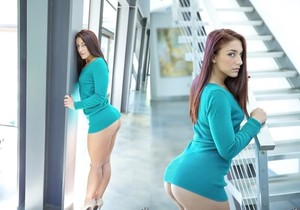 Mischa Brooks - Amazing Mischa - Monster Curves