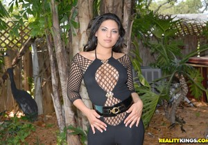 Jazmine Star - Mesh Mash - Monster Curves