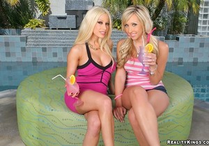 Gina Lynn, Jessica Lynn - All That Ass - Monster Curves