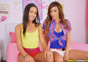 Amia Miley, Melanie Jane - So Right - Pure 18