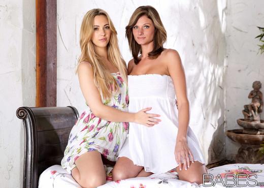 Garden Delight - Daisy Lynn, Sophia Knight - Lesbian Picture Gallery