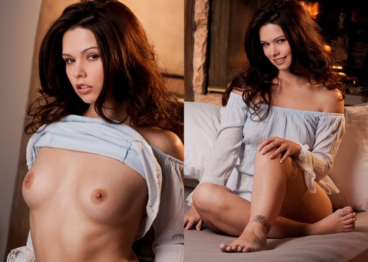 Cali Luv Pulls Her White Top Over Her Head - Solo Picture Gallery
