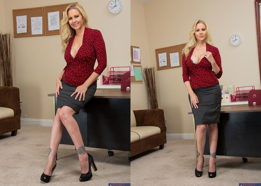 Julia Ann - Naughty Office - MILF HD Gallery