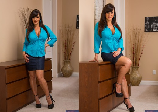 Lisa Ann - My Dad's Hot Girlfriend - MILF Porn Gallery