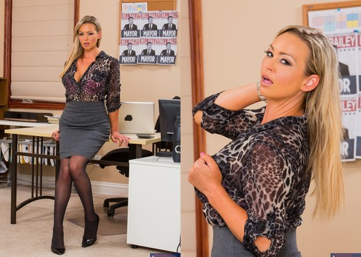 Abbey Brooks - Naughty Office - Hardcore Sexy Photo Gallery