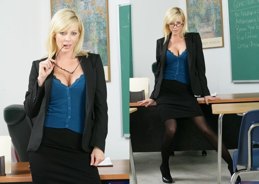Holly Sampson - My First Sex Teacher - Hardcore Nude Pics