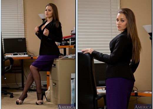 Dani Daniels - Naughty Office - Hardcore Hot Gallery