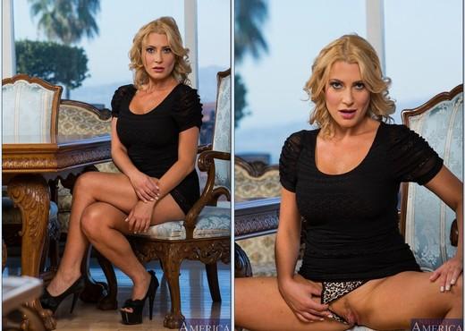 Jennifer Best - My Friend's Hot Mom - MILF Sexy Gallery