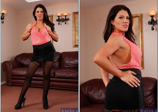 Leena Sky - Seduced By A Cougar - MILF Picture Gallery