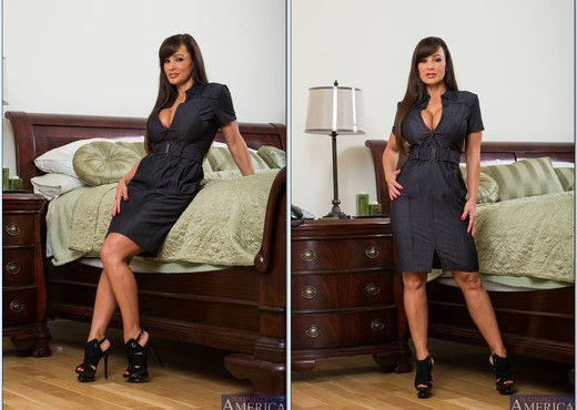 Lisa Ann - My Friend's Hot Mom - MILF Nude Gallery