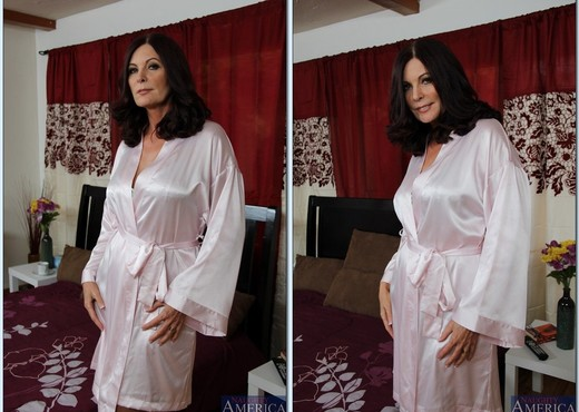 Magdalene St. Michaels - My Friend's Hot Mom - MILF Image Gallery