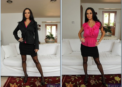 Ava Addams - Seduced By A Cougar - MILF HD Gallery
