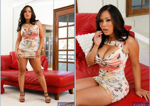 Jessica Bangkok - Housewife 1 on 1 - MILF Sexy Gallery