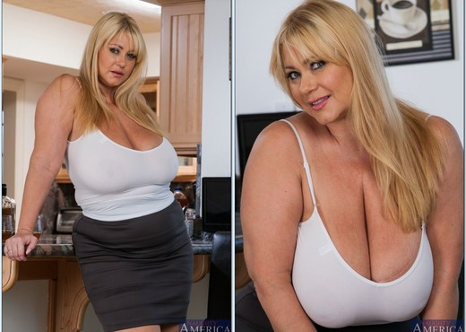 Samantha 38G - My Friend's Hot Mom - Boobs Image Gallery