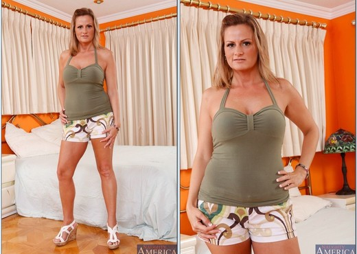 Becca Blossoms - My Friend's Hot Mom - MILF Picture Gallery