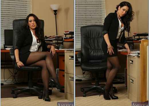Capri Cavanni - Naughty Office - Hardcore Sexy Gallery