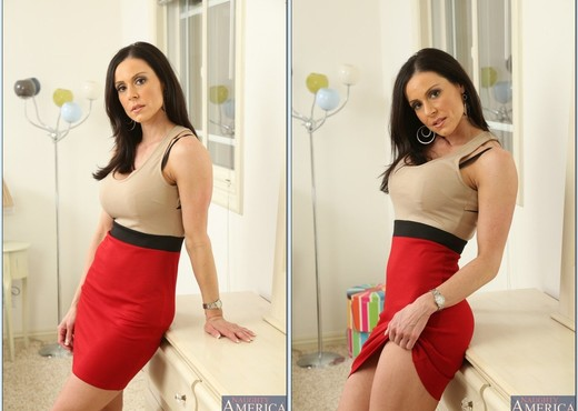 Kendra Lust - My Friend's Hot Mom - MILF Sexy Photo Gallery