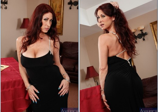 Tiffany Mynx - Seduced By A Cougar - MILF HD Gallery
