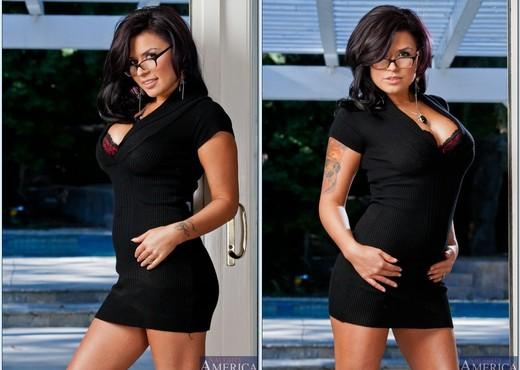 Threesome sex with amazing Latina Eva Angelina and her girlfriend  174230