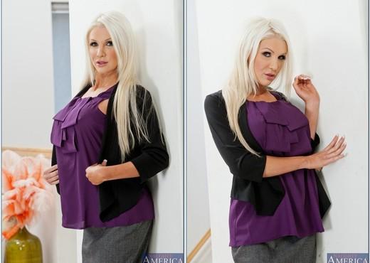 Holly Price - Seduced By A Cougar - MILF Porn Gallery