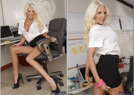 Holly Price - Naughty Office - Hardcore Hot Gallery