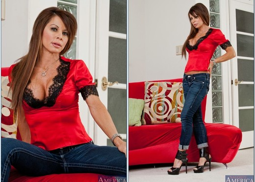 Jenla Moore - My Friend's Hot Mom - MILF Sexy Photo Gallery
