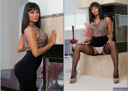 Shazia Sahari - Naughty Office - Hardcore Hot Gallery