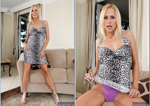Payton Leigh - Seduced By A Cougar - MILF Sexy Gallery