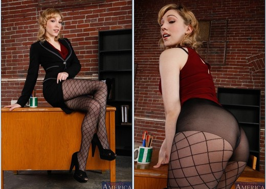 Lily Labeau - Naughty Office - Hardcore Sexy Photo Gallery