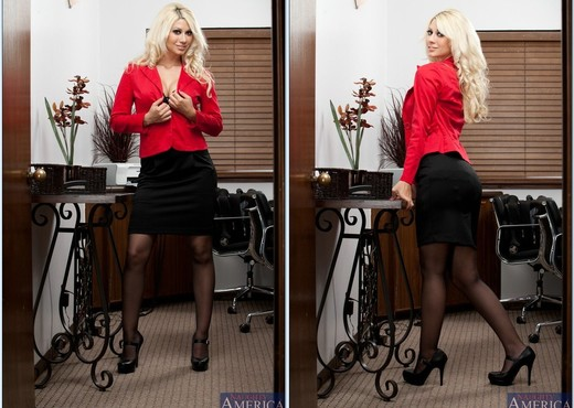 Jazy Berlin - Naughty Office - Hardcore Nude Pics