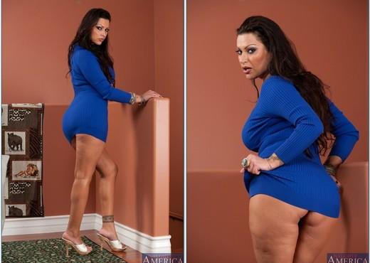 Nikita Denise - My Friend's Hot Mom - MILF Nude Pics