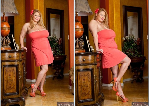 Blonde BBW Samantha 38G taking cumshot on huge knockers from big dick № 307645 загрузить